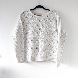 T Hilfiger textured white knit pullover sweater